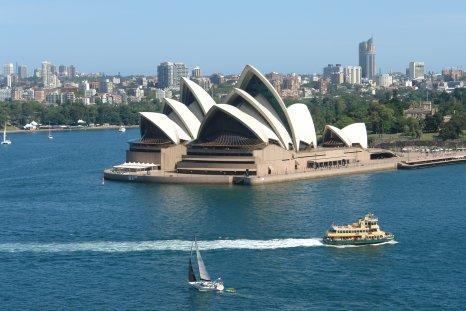 Les français ont la tour Eiffel, les Australiens l'opéra de Sydney. Les Piche y ont retenu leur place pour la Traviata le 13 mars...