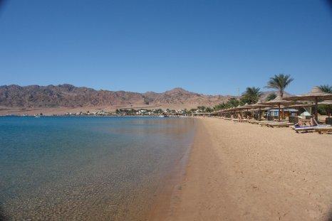 Dahab, la plage investie par MM. Hilton, Hayatt, Novotel et consorts.